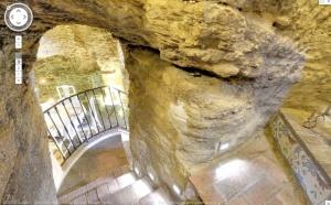 Escalera de piedra / Stone stairs